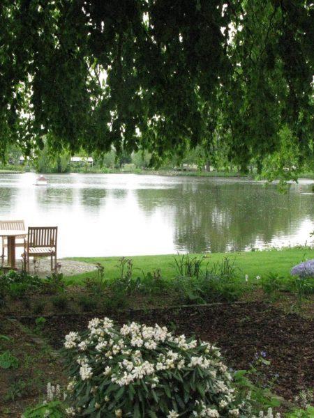 inn-on-the-lake-garden-14