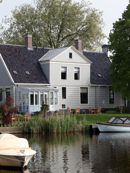 inn-on-the-lake-garden-4