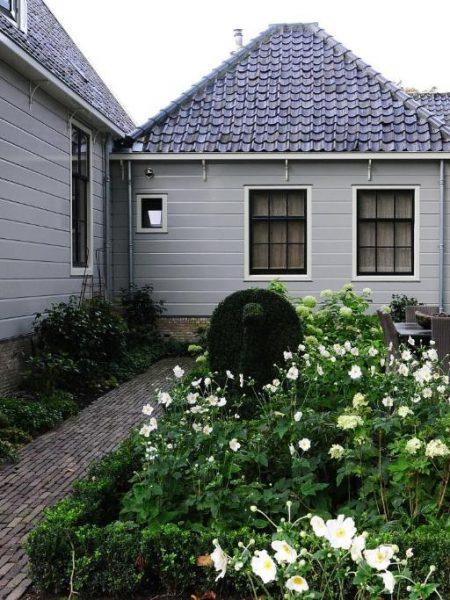 inn-on-the-lake-garden-5